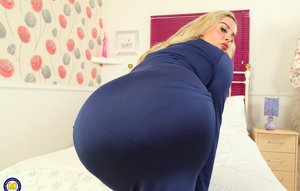 Big Booty Wife Pics