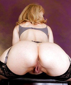 Nice Vagina and Booty Pics