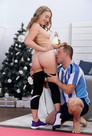 Nice Christmas Booty Pics